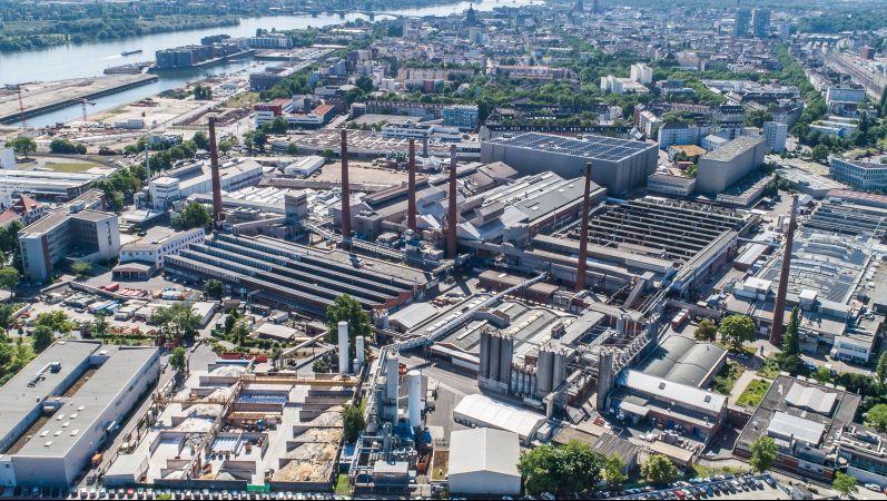 Firmengelände des Glasherstellers SCHOTT AG in Mainz