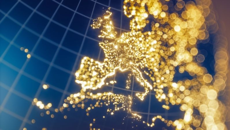 Symbolbild 7. Energieforschungsprogramm - Ausschnitt von Europa auf blauer Weltkugel mit Ländern, die wir Sterne leuchten.