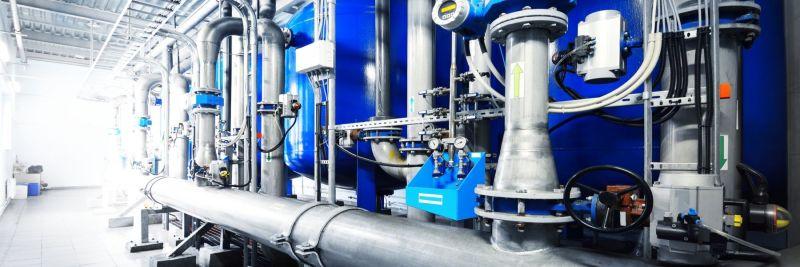 industrieller Wasseraufbereitungs- und Kesselraum
